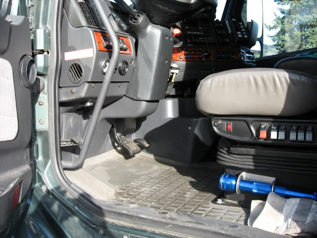 Air Ride Hitches | Heavy Haulers RV Resource Guide